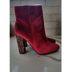 NIB Neiman Marcus velvet sparkle boots